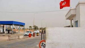 احتجاجات عنيفة على الحدود التونسية-الليبية للمطالبة بإعادة فتح معبر بين الدولتين
