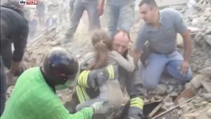 انتشال طفلة إيطالية بعد ساعات تحت الأنقاض