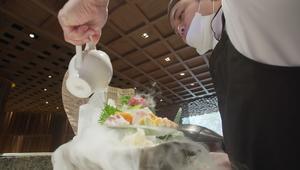 جولة بمطعمين فاخرين في السعودية..هنا يأكل الأثرياء