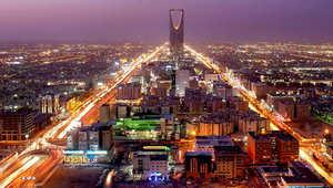 """تقارير: التحقيق مع لاعبين سعوديين شهيرين """"بتهمة الاختلاء بفتاتين"""" في الرياض"""