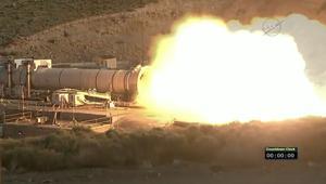 شاهد.. ناسا تختبر معزز الدفع لأقوى صاروخ في العالم