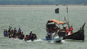 إنقاذ مئات اللاجئين من مسلمي الروهينغا تقطعت سبلهم قرب سواحل إندونيسيا وماليزيا
