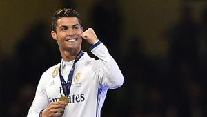 رونالدو يحلق رأسه احتفالا بلقب دوري أبطال أوروبا