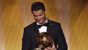 رونالدو يحقق الكرة الذهبية الرابعة في تاريخه