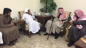 الأمير خالد بن طلال يغرّد عما فاجأه في تعزية سلمان العود