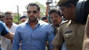 """الهند.. تعليق الحكم بسجن نجم بوليوود سلمان خان 5 سنوات بقضية """"القيادة القاتلة"""""""
