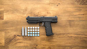 هل تخاف من المسدسات النارية؟ إذا جرب هذا السلاح