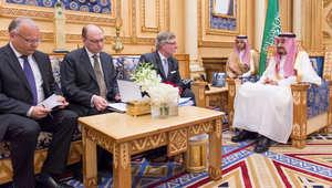 رسالتان من ملك ورئيس وزراء السويد للعاهل السعودي.. هل تنهيان الأزمة بين المملكتين؟