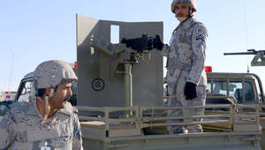 """قوات سعودية تتدرب عند حدود العراق على صد محاولة اقتحام برية لـ""""إرهابيين مدعومين بسيارات"""