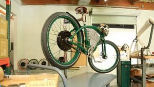 دراجة كهربائية للمستقبل بتصميم من الماضي