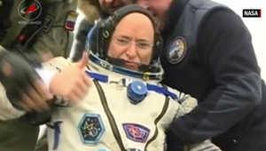 رائد الفضاء سكوت كيلي يعود إلى الأرض بعد قضاء عام خارج الكوكب