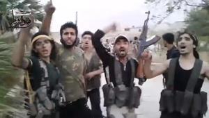 """""""ملحمة حلب الكبرى"""".. مغردون يتناقلون فيديو للحظة لقاء المقاتلين المحاصرين.. والقرني: بيض الله وجوه الأبطال"""