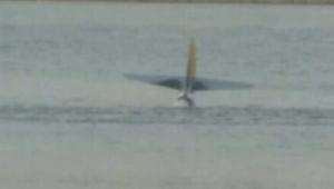 شاهد.. لحظة تحطم طائرة صغيرة في نهر هدسون