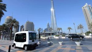 دبي تطلق خدمة نقل بأول سيارة ذاتية القيادة بعشرة مقاعد