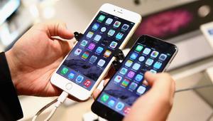 كيف يستغل الهاكرز هواتف الموظفين لاختراق أنظمة شركاتهم؟
