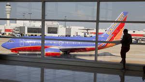 "تغيير مسار طائرة ""ساوث ويست"" بسبب ""سلوك جامح"" لركاب"