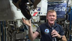 من المدار الخارجي إلى الأرض.. رائد فضاء يشارك في ماراثون لندن من محطة الفضاء الدولية