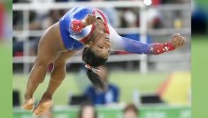 بطلة الجمباز الأولمبية كانت تخجل من جسدها