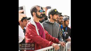 """بالصور والفيديو: بحضور محمد بن راشد.. حمدان بن محمد يتقدّم سباق """"سبارتان"""" في دبي"""