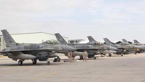 مقاتلات إماراتية تعود للمعركة بغارات على داعش الثلاثاء بعد تعليق للعمليات أعقب سقوط طائرة الكساسبة