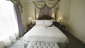 هذا السرير قد يفوق ثمنه.. سعر سيارة فاخرة