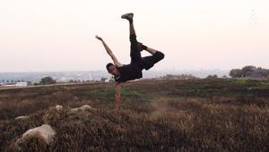 """راقص باليه """"يحارب"""" الصورة النمطية في جنوب أفريقيا"""