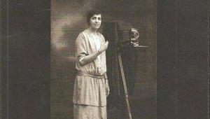 من هي كريمة عبود.. أول مصورة فوتوغرافية فلسطينية؟