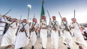 الرقص السعودي..سيوف وخناجر وطبول ودفوف