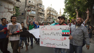 """روسيا تتهم جماعة """"زنكي"""" باستخدام غاز سام بحلب وإيران تعتبر الأسد """"حامي سوريا"""""""