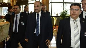 وفد المعارضة السورية خلال مشاركته في مؤتمر جنيف 2