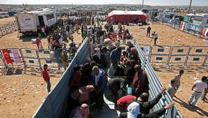 """""""داعش"""" على بعد أمتار من """"عين العرب"""" ونداء لإغاثة مئات آلاف النازحين الأكراد على حدود تركيا"""