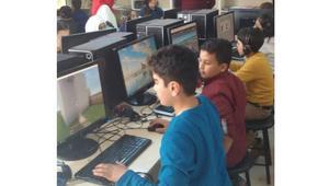 """دراسة: لعبة """"ماين كرافت"""" تساعد الأطفال اللاجئين السوريين"""