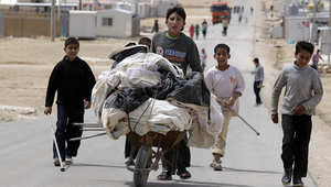 دعوات للتعامل مع أزمة اللاجئين السوريين العالقين على الحدود