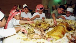 يا سكان العالم العربي.. فكروا مجدداً قبل رميكم للطعام!