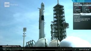 """""""سبيس إكس"""" تتقدم خطوة نحو السياحة الفضائية"""