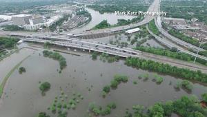 مشاهد مذهلة التقطتها طائرة بدون طيار لفيضانات تكساس