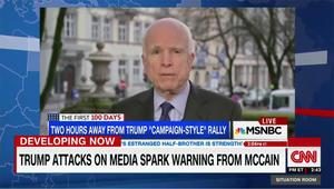 ماكين ينتقد مهاجمة ترامب للإعلام: هكذا يبدأ الطغاة