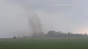 شاهد.. لحظة هبوب إعصار عنيف في ولاية مينيسوتا