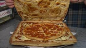"""تعرّف إلى آخر صيحات """"البيتزا""""..علبة صديقة للبيئة يمكن تناولها"""