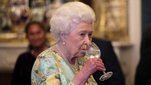هذا ما تتناوله الملكة إليزابيث من طعام ومشروبات!