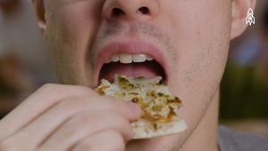 كيف تتناول الطعام كإله هندوسية؟