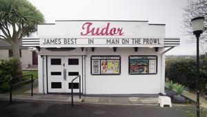 في أيرلندا.. حظيرة للدجاج تتحول إلى سينما فاخرة!