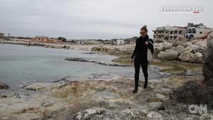 أول امرأة تزور كل دول العالم وحدها.. هذه كانت تجربتها في سوريا وأفغانستان