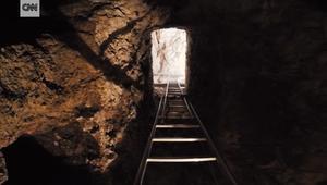 نظرة خاطفة داخل آخر المقابر المكتشفة حديثا في مصر