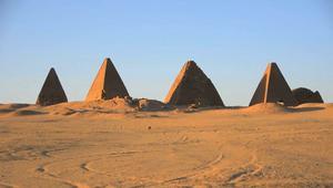 وسط أزمة تشمل قطر ومصر.. عدسة CNN تكشف أسرار أهرام السودان
