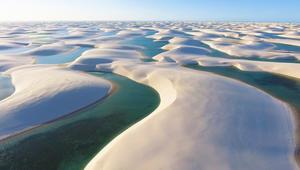 بحيرات طبيعية من الماء النقي.. وسط الصحراء!