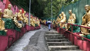 مرحبا بكم بمعبد العشرة آلاف تمثال من ذهب