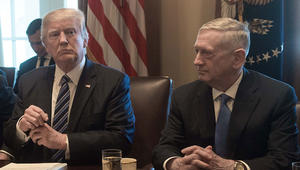 ترامب يتصل بوزير دفاعه بعد تصريحه عن تدمير 20% من طائرات سوريا