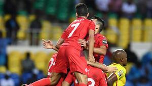 تونس تحجز مقعدا للعرب في ربع النهائي والجزائر تودع من الدور الأول