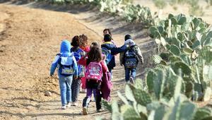 ضجة في تونس إثر اتهام مدرّسة بمنع الطفلات من الحجاب